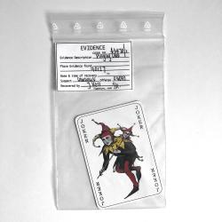 Joker Spielkarte im Beweisbeutel aus BATMAN BEGINS